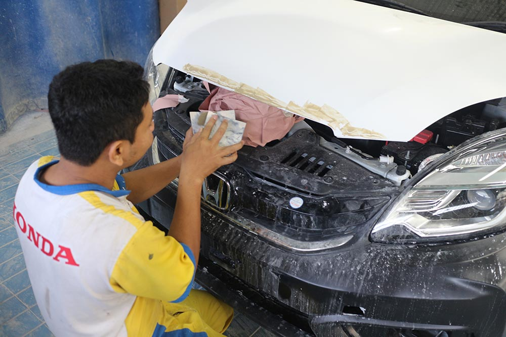 Honda Anugerah Body & Paint - Proses Dempul