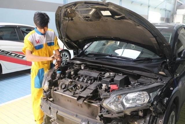 Honda Anugerah Body & Paint - Tahap Bongkar Body