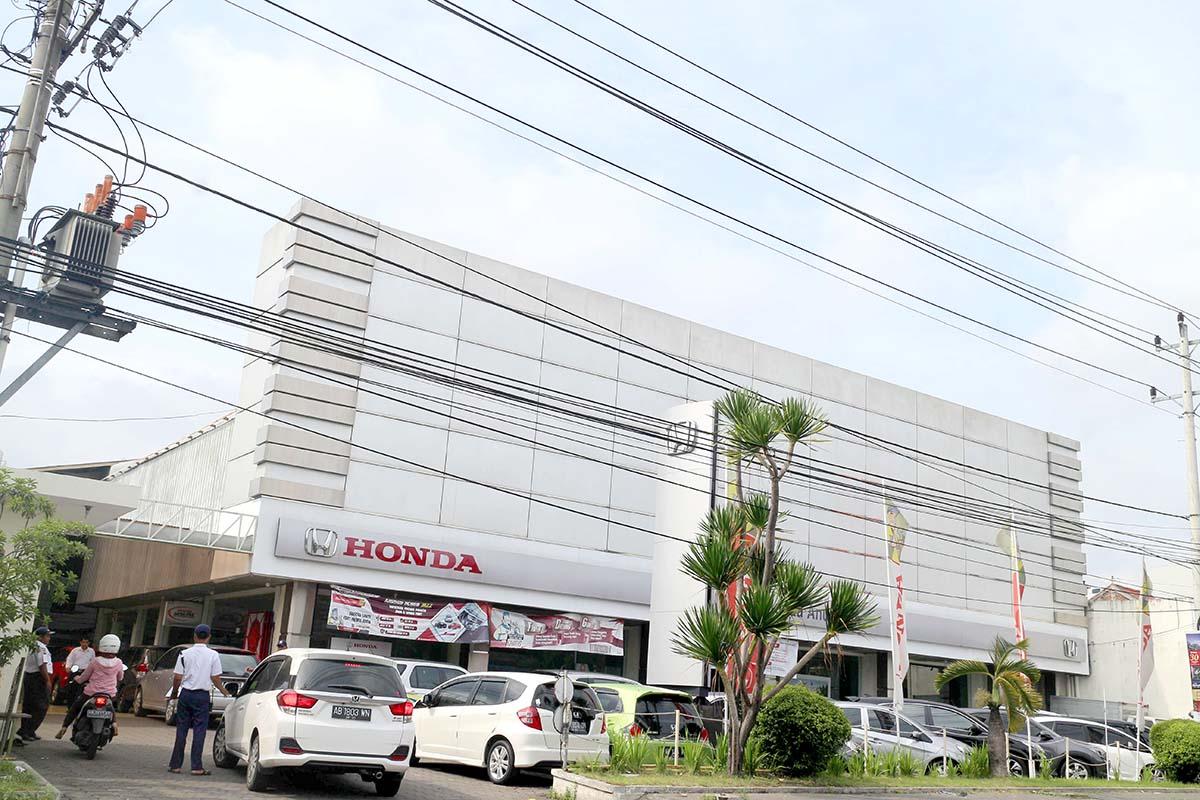 Honda Anugerah Area Depan