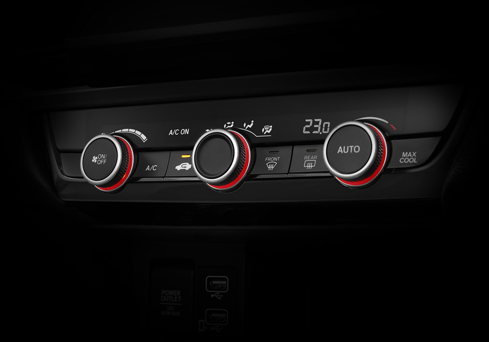 Auto A/C with Red Illumination